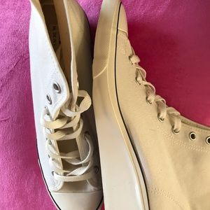 ❤️NEW🌺RARE Chuck Taylor Converse Sneakers